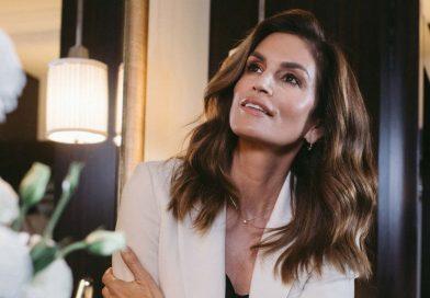 Синди Крауфорд пуска своя линия продукти за коса