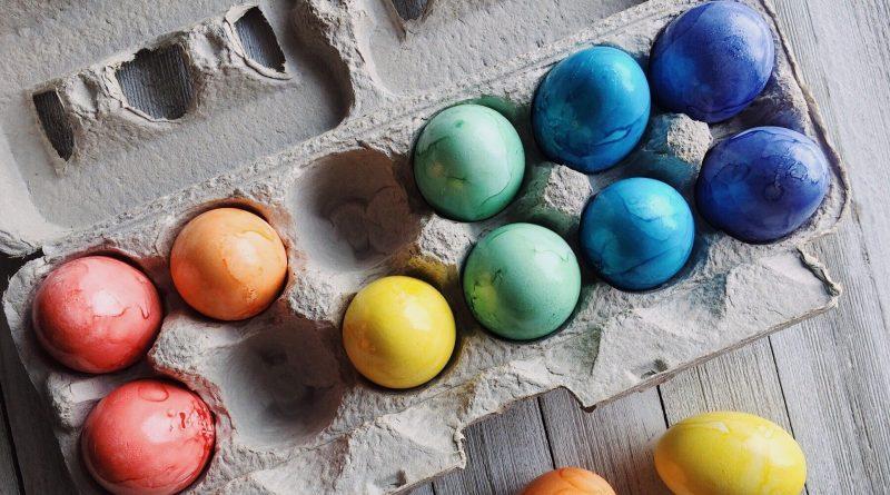 Какво символизират цветовете, с които боядисваме яйцата?