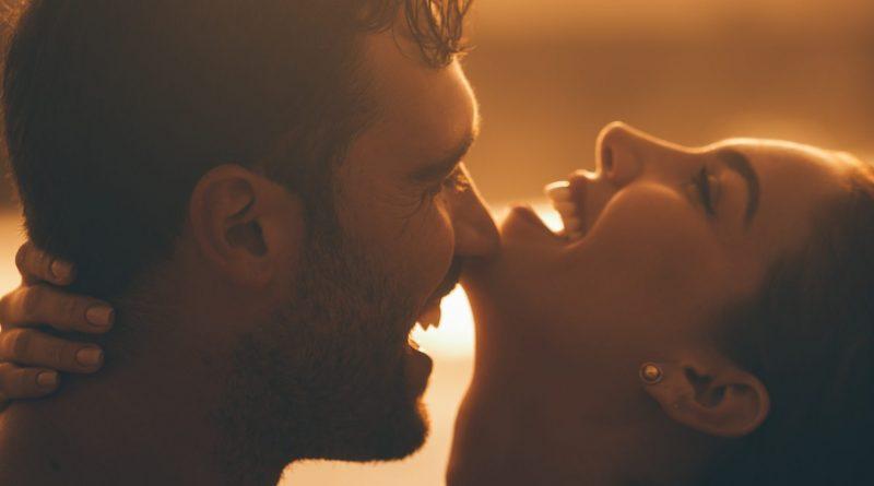 12 неочаквани факта за целувката, които трябва да знаете